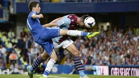Chelsea (trái)sẽ trở lại với lối chơi bùng nổ để vùi dập Aston Villa?