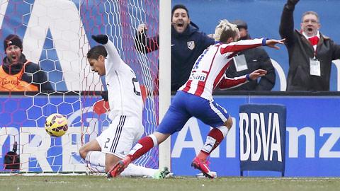Hàng thủ chắp vá của Real đã có một trận đấu thảm họa
