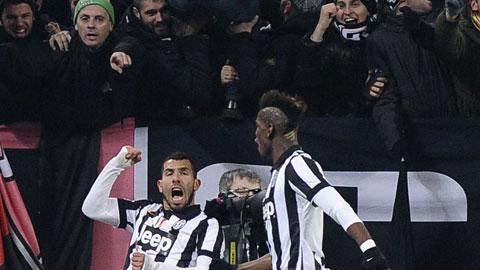 Cả Juventus và Roma (ảnh trong bài) đều thắng ở vòng 22, khiến cơ hội bám đuổi của những kẻ phía sau đều lịm tắt