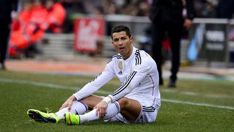 Ronaldo chơi cực kỳ mờ nhạt, vật vờ và đây là một trong những lý do khiến Real thảm bại 0-4 trước Atletico