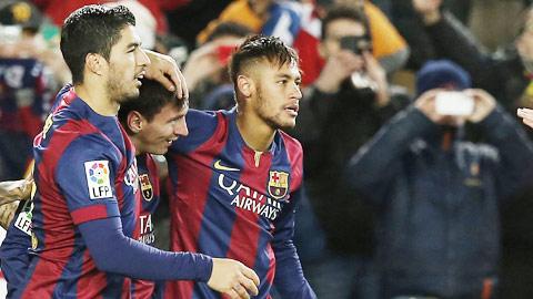 """Messi và đồng đội giúp Barca làm sống lại tham vọng """"ăn ba"""" mùa này"""