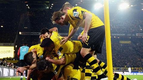 Dortmund tiếp tục có chiến thắng để thoát ra khỏi top 3 đội cuối BXH