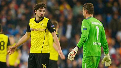 Trước Juventus, Hummels (trái) và hàng phòng ngự Dortmund đã không thể đứng vững