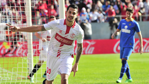 Vitolo kéo Sevilla đi tiếp!