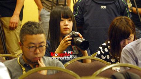 Nữ phóng viên Nhật Bản dành nhiều tình cảm cho U23 Việt Nam