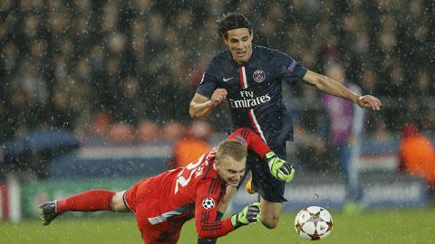 PSG (phải) lại muốn thắng St.Etienne để hướng đến mùa giải lịch sử