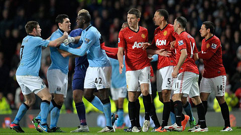 Derby thành Manchester luôn diễn ra căng thẳng