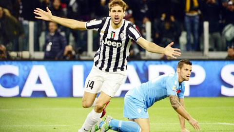Juve (trái) cần một chiến thắng nhẹ nhàng để bảo toàn lực lượng cho Champions League