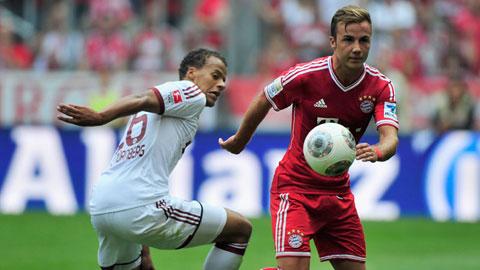 Gặp Frankfurt là thời cơ để hàng công Bayern (phải) lấy lại bản năng săn mồi