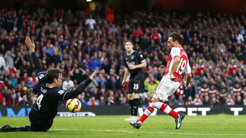 """Nhờ phong độ đang lên cao, Arsenal (phải) sẽ không khó để """"làm gỏi"""" Burnley"""