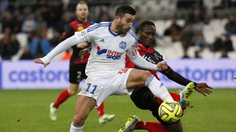 Alessandrini (áo sáng) và đồng đội sẽ giúp Marseille trở lại Top 3