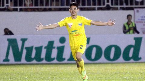 Hoàng Đình Tùng đã vươn lên dẫn đầu danh hiệu Vua phá lưới của V.League cùng 2 đồng nghiệp khác