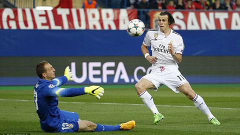 Oblak thắng Bale trong tình huống đối mặt