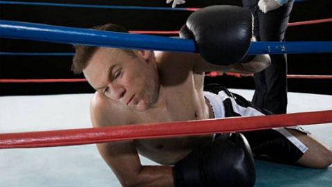 Bức ảnh chế cảnh Rooney bị hạ knock-out