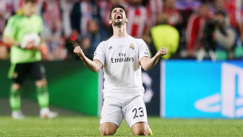 Isco đang bị chỉ trích vì làm rối loạn lối chơi của Real khi đá thay Benzema