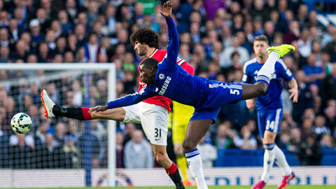 Zouma đã bắt chết Fellaini trong trận Chelsea thắng M.U 1-0 ở vòng 32 Premier League