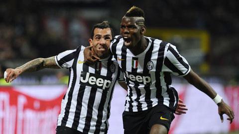 Tevez (trái) muốn trở lại đội bóng cũ Boca, còn Pogba không muốn gò bó trong môi trường Serie A chật hẹp