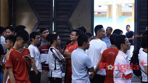 Chưa sốt vé trận Hà Nội T&T và HA.GL - Ảnh: Facebook Hà Nội T&T