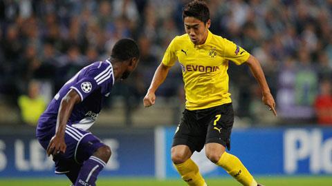Cả 3 lần tiếp Frankfurt gần đây, Dortmund (phải) đều thắng dễ dàng
