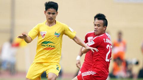 Đình Tùng (trái) khó giúp Thanh Hóa giành chiến thắng
