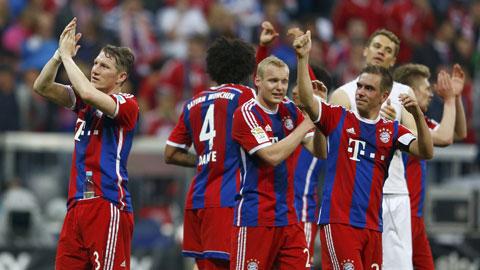 Bàn thắng duy nhất của Schweinsteiger (bìa trái) giúp Bayen coi như giải quyết xong Bundesliga