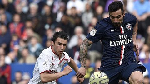 Lavezzi (phải) đã giải được cơn khát bàn thắng
