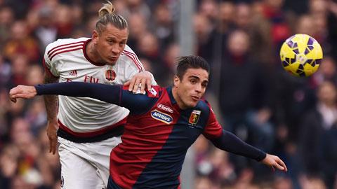 Genoa (phải) đủ sức giành điểm ngay trên sân của Milan