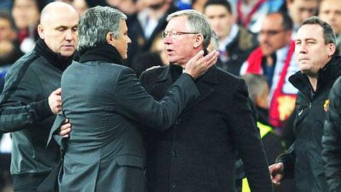 Mourinho (phải) rất muốn giành được nhiều danh hiệu với cùng một đội bóng như Ferguson