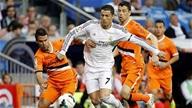 Real Madrid 2-2 Valencia:Xa dần ngôi báu