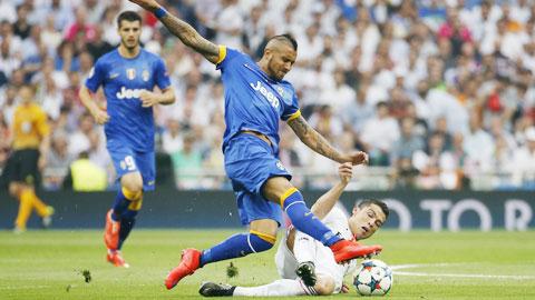 Như Inter năm 2010, Juventus cũng thắng nhà ĐKVĐ 3-2 ở bán kết