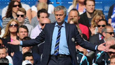 Mourinho không một lần được bầu là HLV hay nhất tháng ở Premier League mùa này