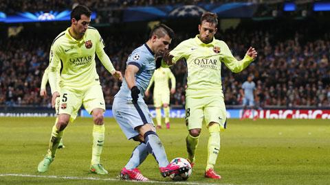 Aguero vẫn thường tịt ngòi khi Man City chơi bóng tại Champions League