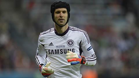 Cech không muốn dự bị ở Chelsea