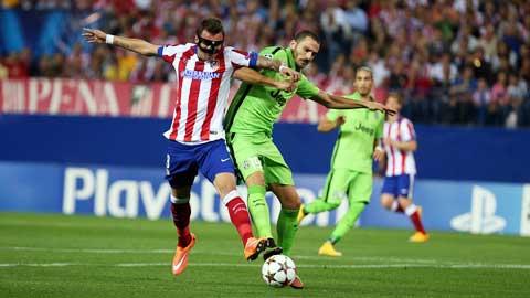 Hợp đồng của Mandzukic (trái) với Juventus sẽ có hiệu lực 4 năm và anh nhận lương 3,5 triệu euro/mùa