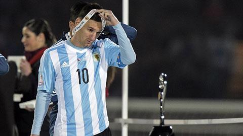 Messi từ chối nhận danh hiệu Cầu thủ xuất sắc nhất Copa America 2015