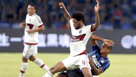 Luiz Adriano (áo sáng) có màn ra mắt đầy hứa hẹn cùng Milan