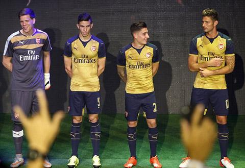Mẫu áo đấu sân khách của Arsenal