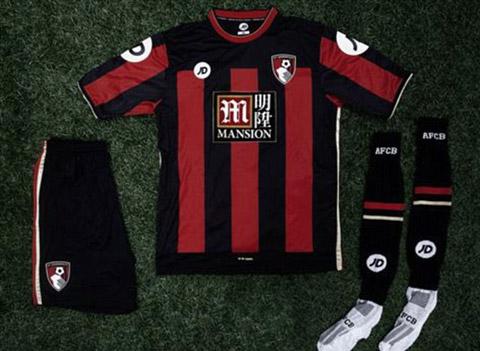 Áo đấu sân nhà của Bournemouth gợi nhớ lại áo đấu của AC Milan mùa 2001/02