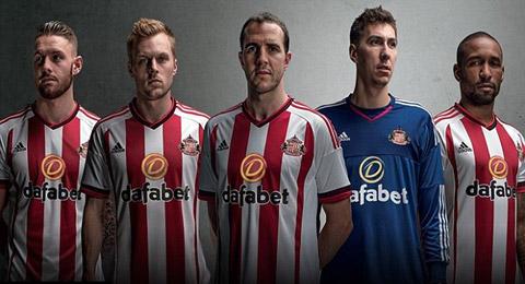 Mẫu áo đấu sân nhà của Sunderland