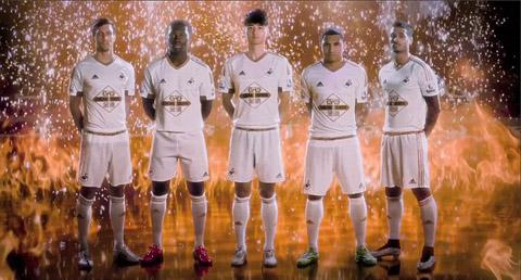 Mẫu áo đấu sân nhà của Swansea
