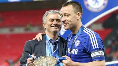 Dù phong độ đã sa sút song Terry vẫn rất cần cho các phương án chiến thuật của Mourinho
