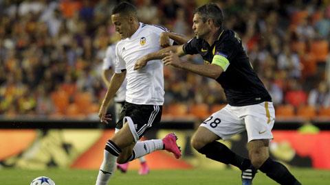 Monaco (phải) đã nhận những bàn thua không đáng có trong trận lượt đi trước Valencia