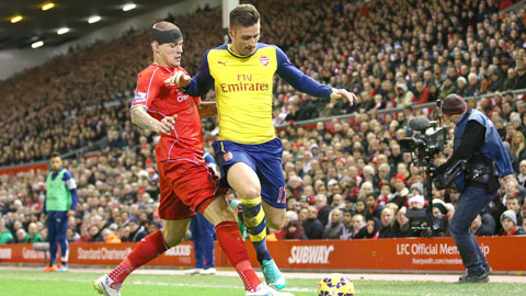 Giroud (phải) và đồng đội sẽ lật chiếc mặt nạ hào nhoáng của Liverpool