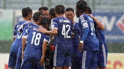 Các cầu thủ Đồng Nai được cam kết trả nợ trước trận chung kết ngược với HA.GL. Ảnh: Quốc An