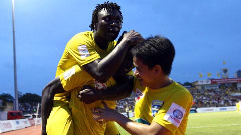 Các cầu thủ FLC Thanh Hóa sẽ bỏ túi số tiền thưởng hơn 1 tỷ đồng nếu thắng B.BD