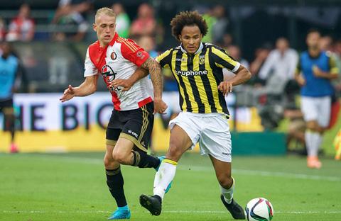 Brown mới 18 tuổi và đang được Chelsea cho Vitesse mượn