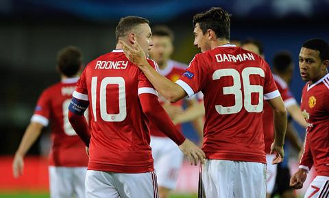 Rooney đã nổ súng trở lại sau 878 phút tịt ngòi trên tất cả các mặt trận