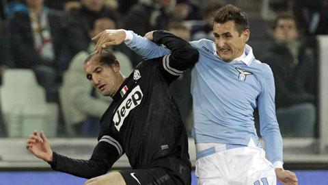 """Juve (trái) và Lazio phải """"tử chiến"""" ở vòng 2 sau khi họ cùng bước hụt trong trận ra quân"""