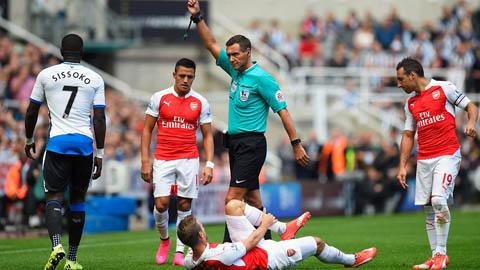 Newcastle chủ động đá rắn với Arsenal