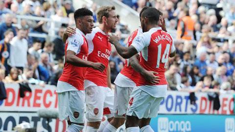 Arsenal đã giành chiến thắng thứ 8 liên tiếp trước Newcastle ở giải Ngoại hạng